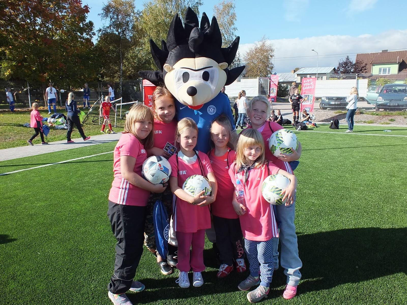 Tüdrukute jalgpallifestival Kuressaares